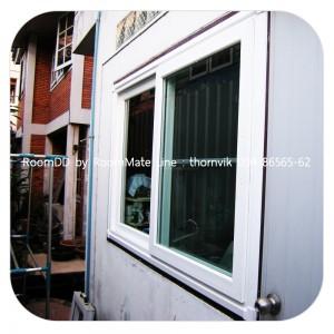 านรีโนเวท หน้าต่างห้องครัว ไวนิล WINDSOR บ้านคุณทองแท้